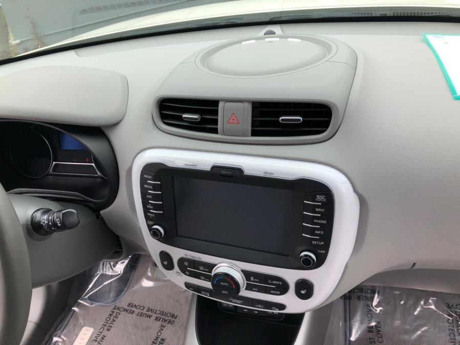 Used Kia Soul EV - 2017 | Green Light Auto Wholesale. Daly City, California