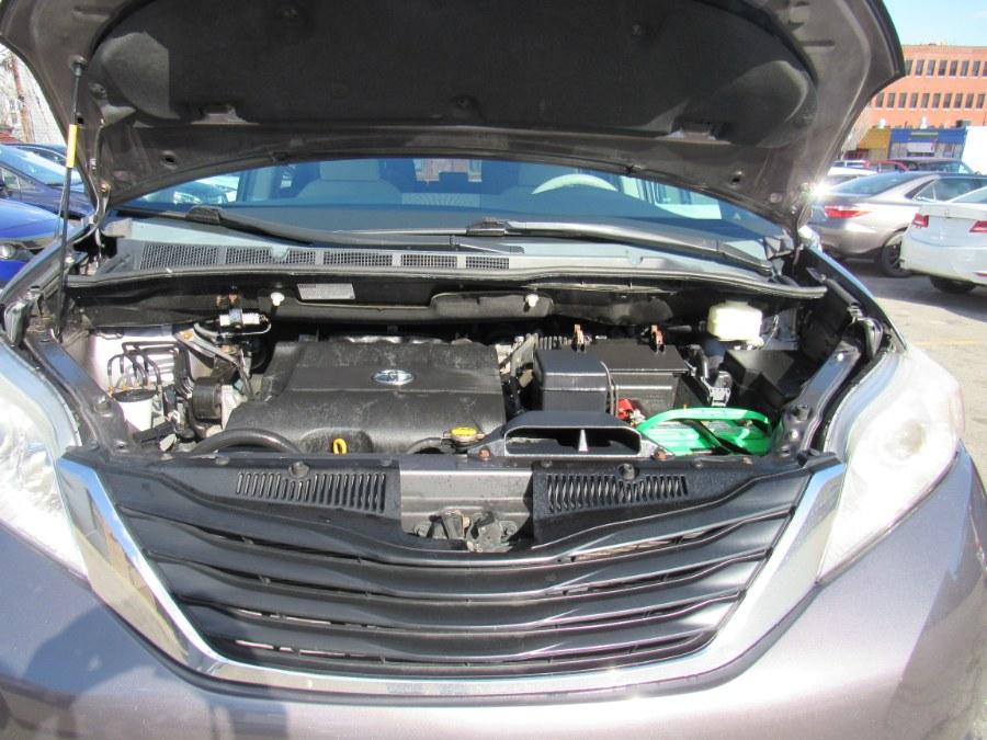 Used Toyota Sienna LE 2012   Hilario's Auto Sales Inc.. Worcester, Massachusetts