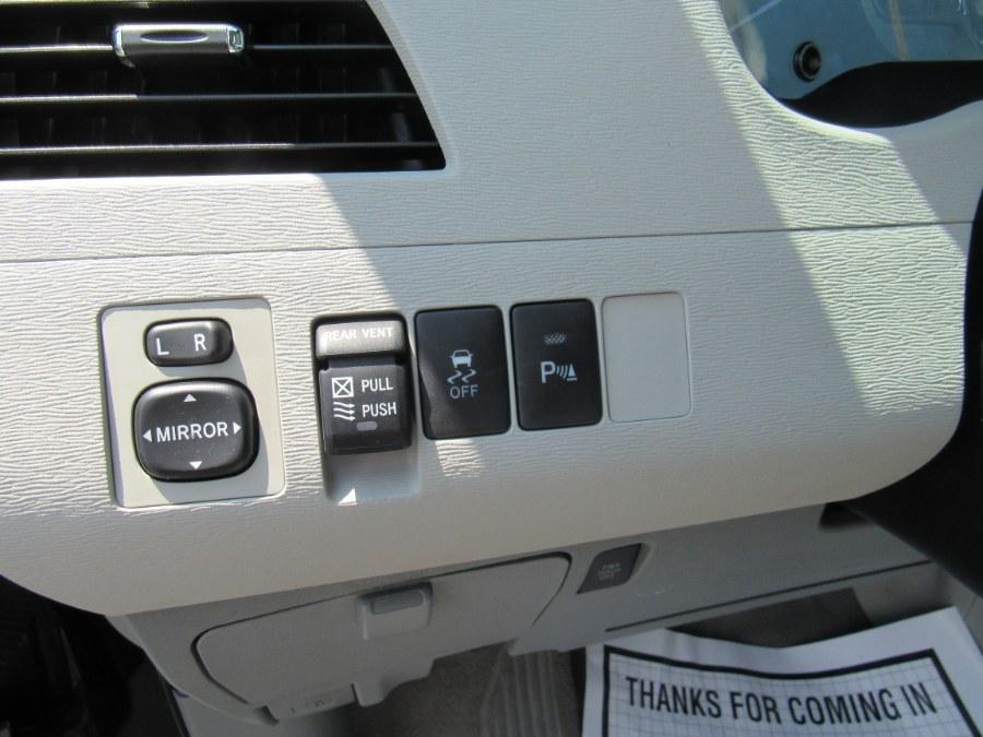 Used Toyota Sienna XLE 2011 | Hilario's Auto Sales Inc.. Worcester, Massachusetts