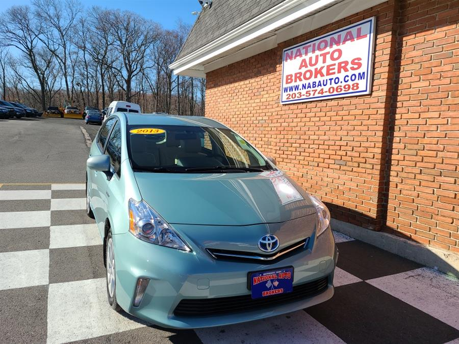 Used 2013 Toyota Prius v in Waterbury, Connecticut | National Auto Brokers, Inc.. Waterbury, Connecticut
