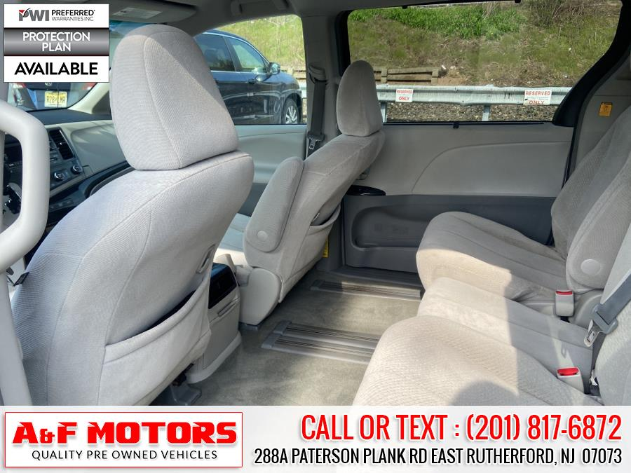Used Toyota Sienna 5dr 8-Pass Van V6 LE FWD (Natl) 2011 | A&F Motors LLC. East Rutherford, New Jersey