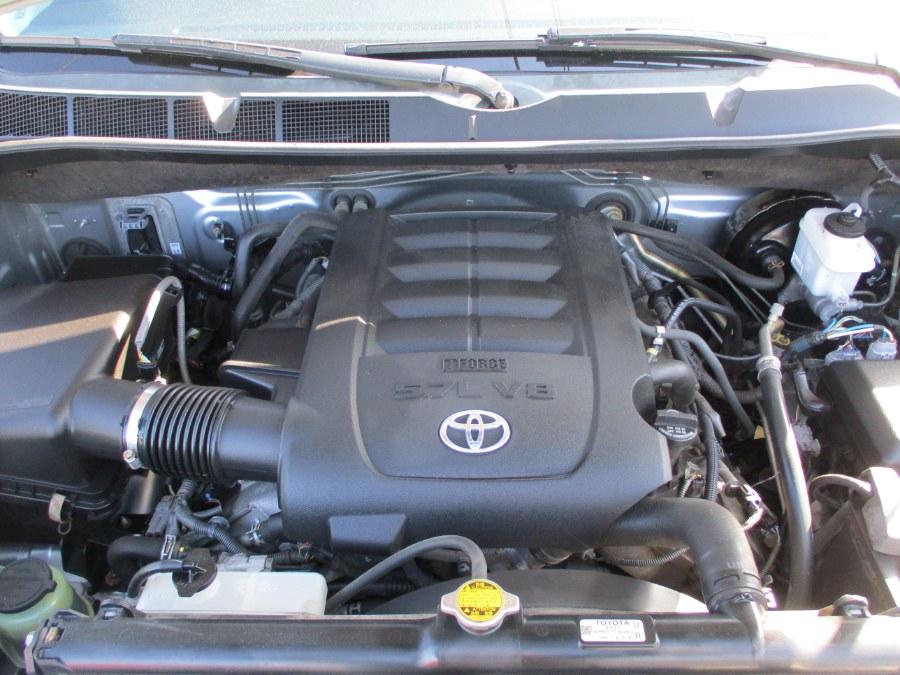 Used Toyota Tundra 4WD Truck CrewMax 5.7L V8 6-Spd AT (Natl) 2011 | Suffield Auto Sales. Suffield, Connecticut