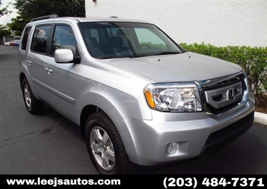 Used 2011 Honda Pilot in North Branford, Connecticut | LeeJ's Auto Sales & Service. North Branford, Connecticut