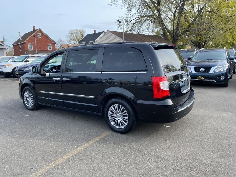 Used Chrysler Town & Country 4dr Wgn Touring-L 2013 | Victoria Preowned Autos Inc. Little Ferry, New Jersey