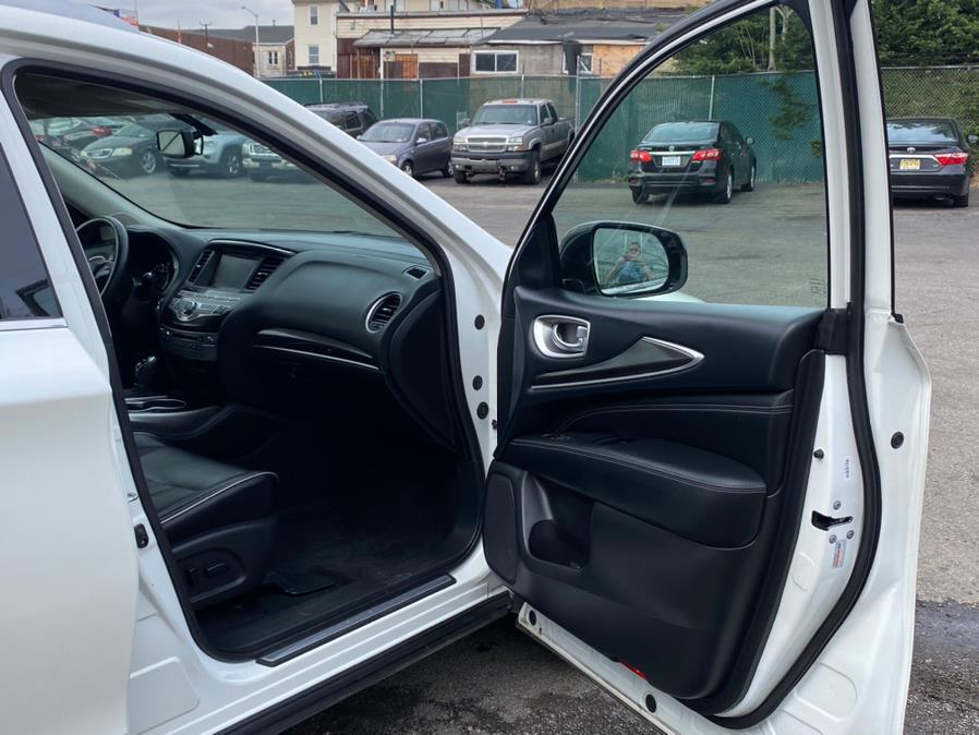 Used INFINITI QX60 AWD 2017 | Auto Haus of Irvington Corp. Irvington , New Jersey