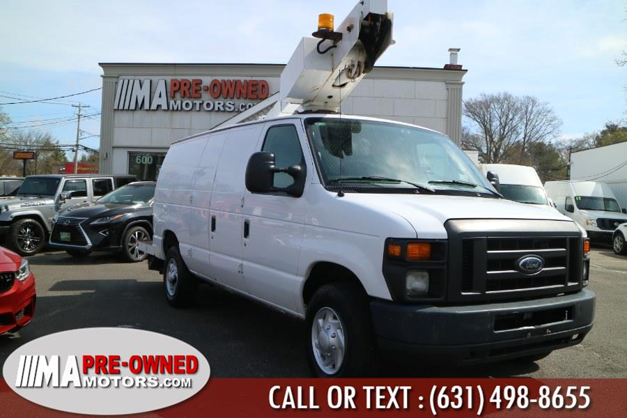 Used Ford Econoline Cargo Van with boom 1530 hurs E-350 Super Duty Commercial 2009 | M & A Motors. Huntington, New York