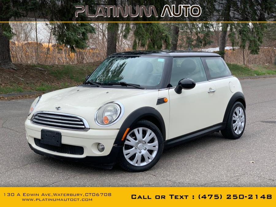 Used 2010 MINI Cooper Hardtop in Waterbury, Connecticut | Platinum Auto Care. Waterbury, Connecticut