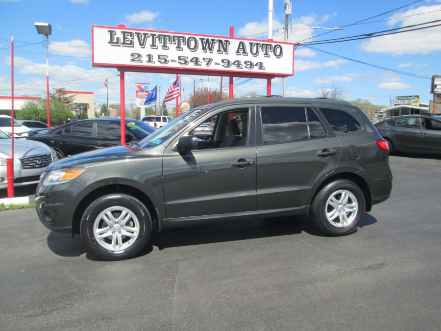 Used 2012 Hyundai Santa Fe in Levittown, Pennsylvania | Levittown Auto. Levittown, Pennsylvania