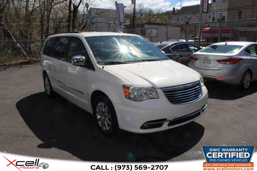 Used 2011 Chrysler Town & Country Touring-L in Paterson, New Jersey | Xcell Motors LLC. Paterson, New Jersey