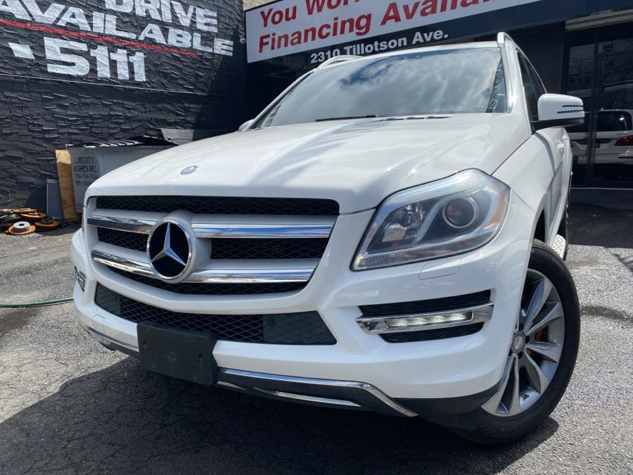Used 2014 Mercedes-Benz GL-Class in Bronx, New York | Champion Auto Sales Of The Bronx. Bronx, New York