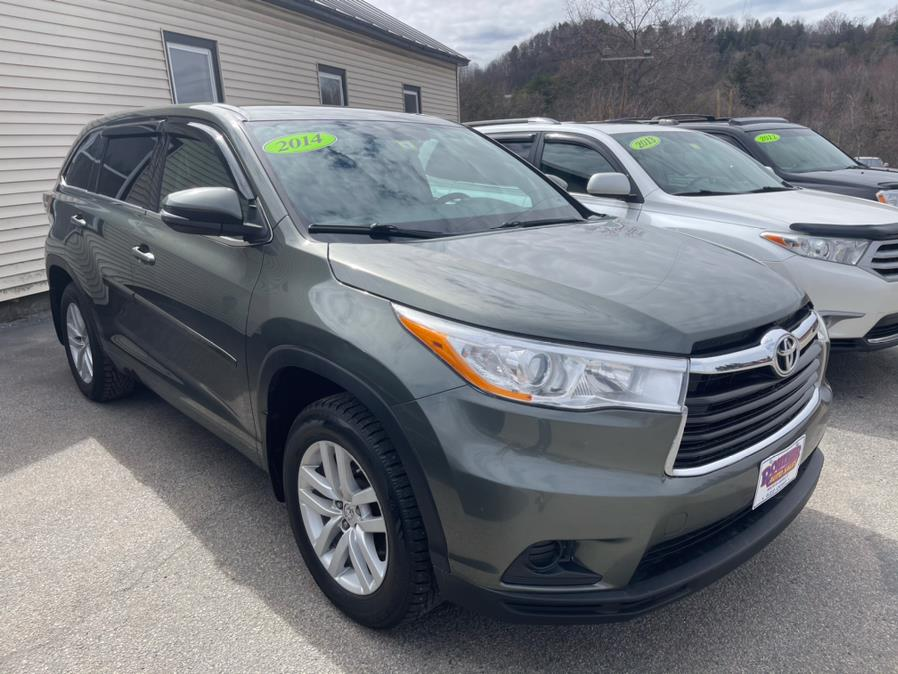 Used Toyota Highlander AWD 4dr V6 LE (Natl) 2014   Routhier Auto Center. Barre, Vermont