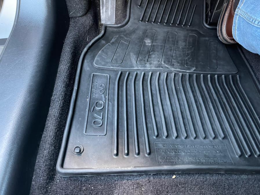 Used INFINITI Q70 3.7 LUXE AWD 2019 | Brooklyn Auto Mall LLC. Brooklyn, New York