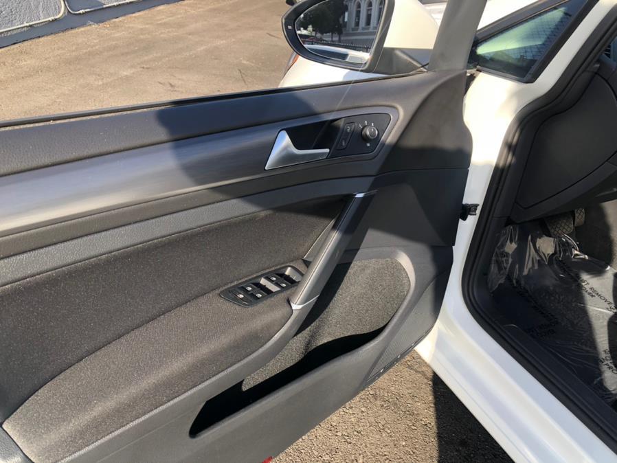 Used Volkswagen e-Golf SE 2017 | Green Light Auto Wholesale. Daly City, California