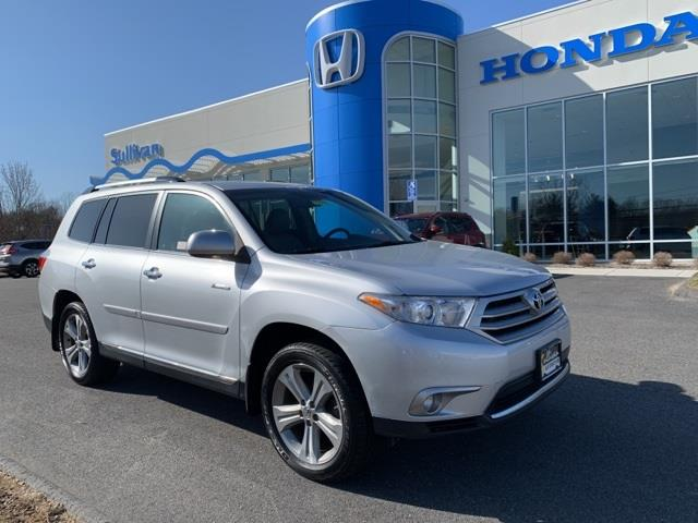 Used 2013 Toyota Highlander in Avon, Connecticut | Sullivan Automotive Group. Avon, Connecticut