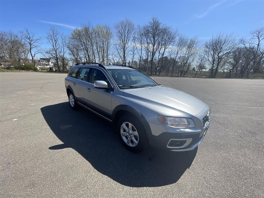 Used Volvo XC70 4dr Wgn 3.2L w/Moonroof 2010 | Wiz Leasing Inc. Stratford, Connecticut