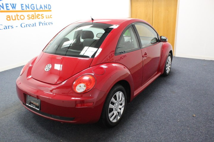 Used Volkswagen New Beetle Coupe 2dr Auto PZEV 2010 | New England Auto Sales LLC. Plainville, Connecticut