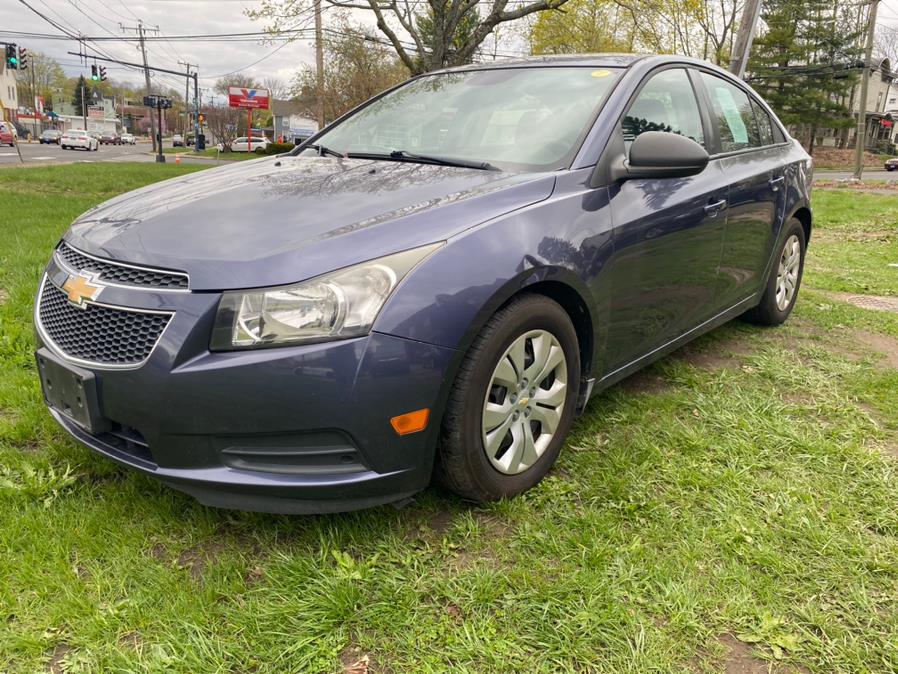 Used 2013 Chevrolet Cruze in Danbury, Connecticut | Safe Used Auto Sales LLC. Danbury, Connecticut