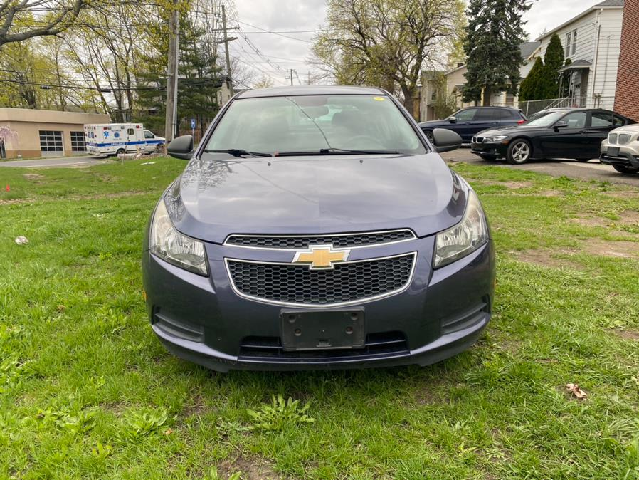 Used Chevrolet Cruze 4dr Sdn Auto LS 2013 | Safe Used Auto Sales LLC. Danbury, Connecticut