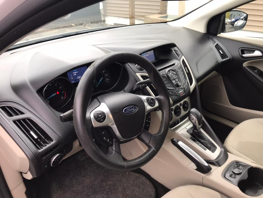 Used Ford Focus 5dr HB SE 2013 | Auto Drive Sales And Service. Berlin, Connecticut