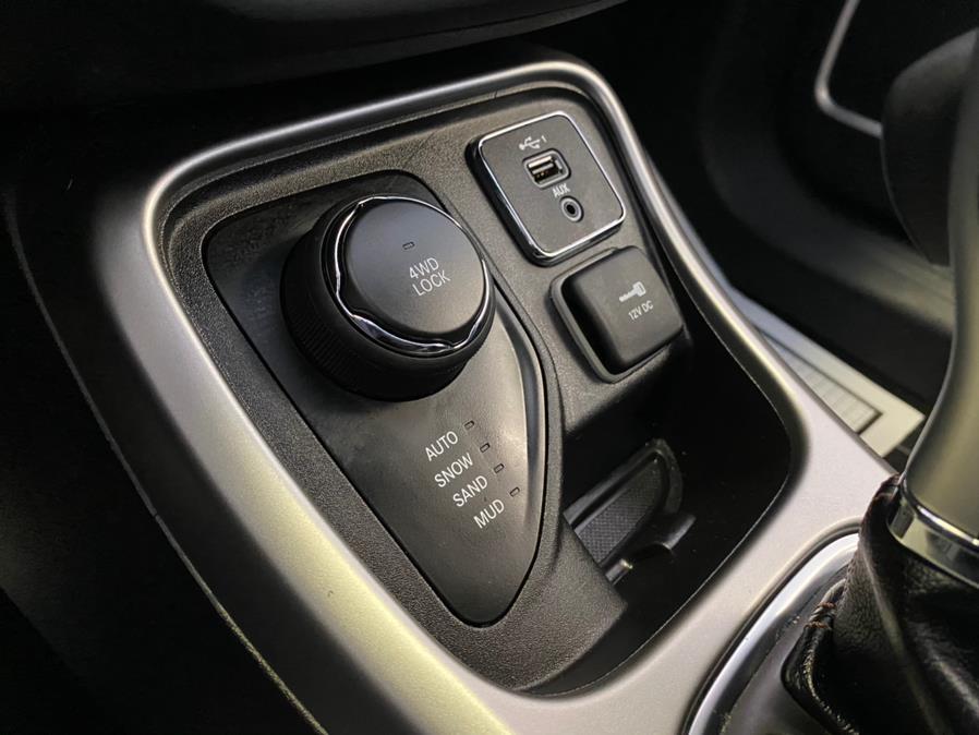 Used Jeep Compass Latitude 4x4 2019   POWER MOTORS EAST. Massapequa Park, New York