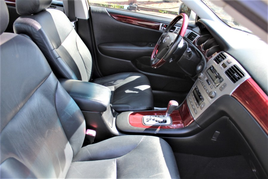 2005 Lexus ES 330 4dr Sdn, available for sale in Great Neck, NY