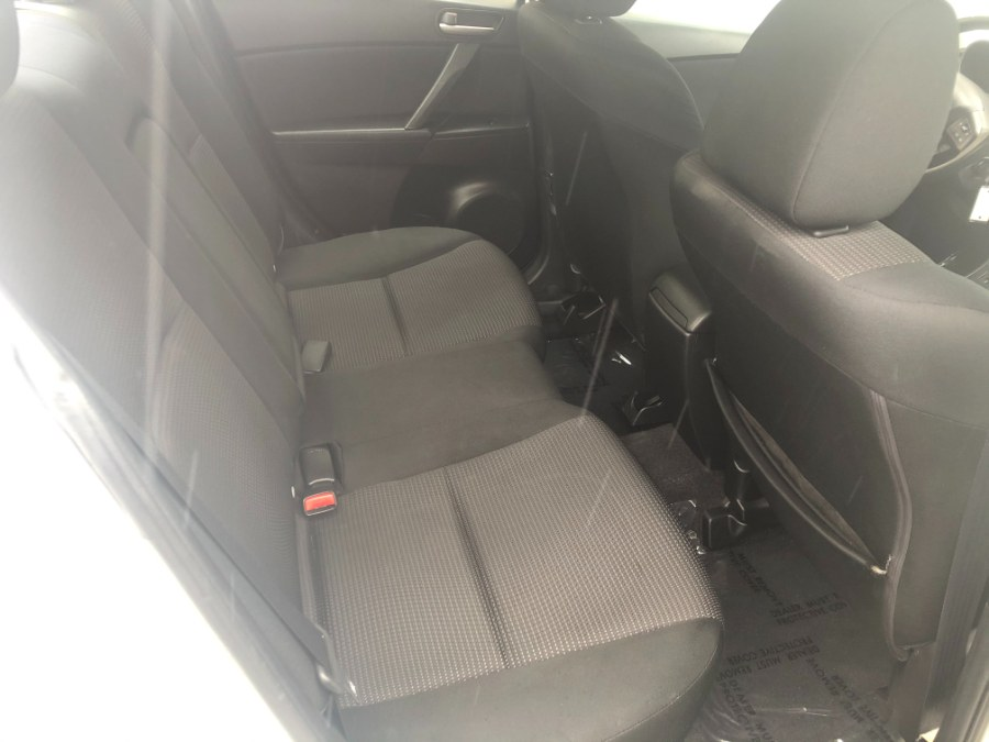 Used Mazda Mazda3 4dr Sdn Auto i Touring 2012 | Bristol Auto Center LLC. Bristol, Connecticut