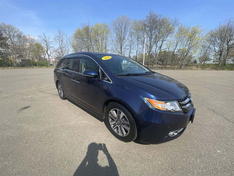 Used 2016 Honda Odyssey in Stratford, Connecticut | Wiz Leasing Inc. Stratford, Connecticut