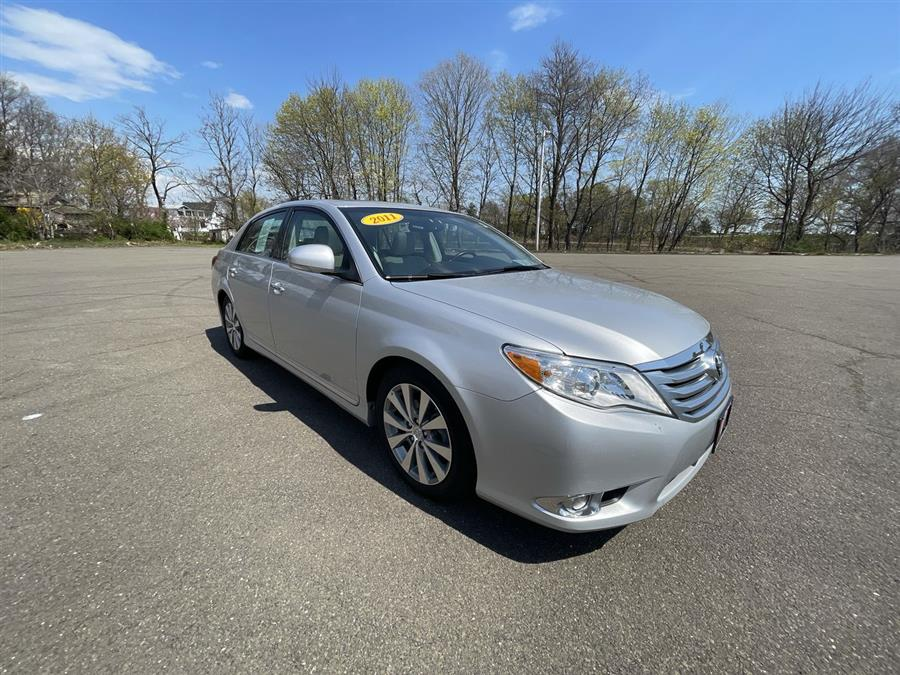 Used 2011 Toyota Avalon in Stratford, Connecticut | Wiz Leasing Inc. Stratford, Connecticut