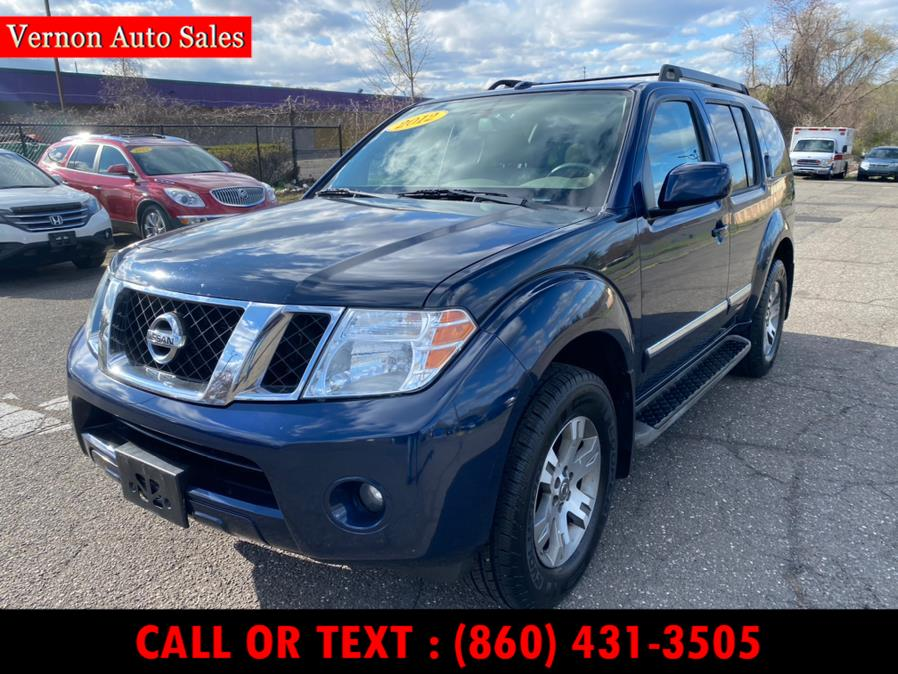Used 2012 Nissan Pathfinder in Manchester, Connecticut | Vernon Auto Sale & Service. Manchester, Connecticut