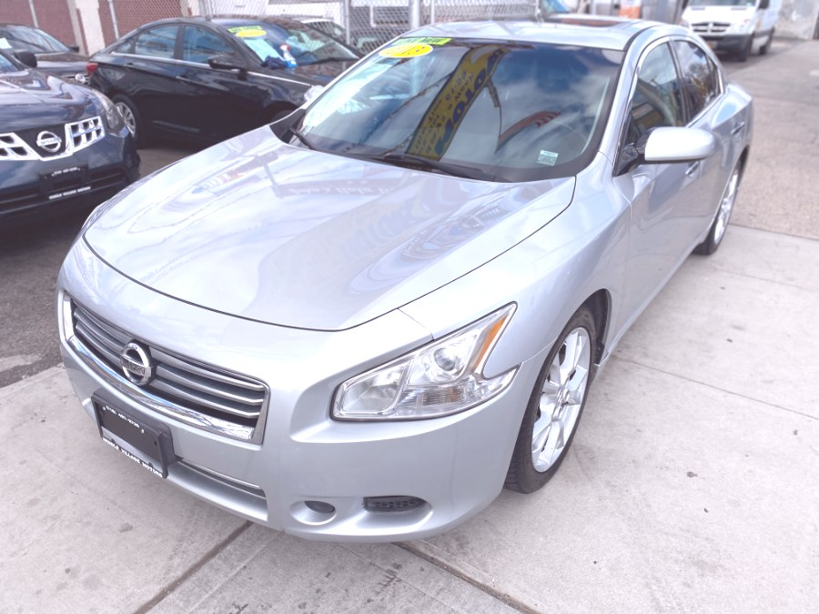 Used 2013 Nissan Maxima in Middle Village, New York | Middle Village Motors . Middle Village, New York
