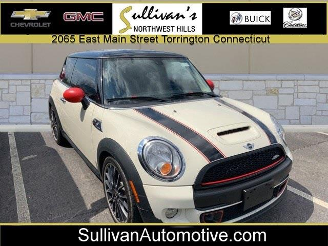 Used 2013 Mini Cooper s in Avon, Connecticut | Sullivan Automotive Group. Avon, Connecticut