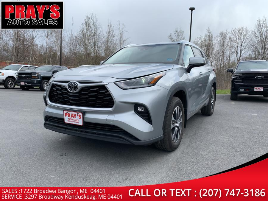 Used 2021 Toyota Highlander in Bangor , Maine | Pray's Auto Sales . Bangor , Maine