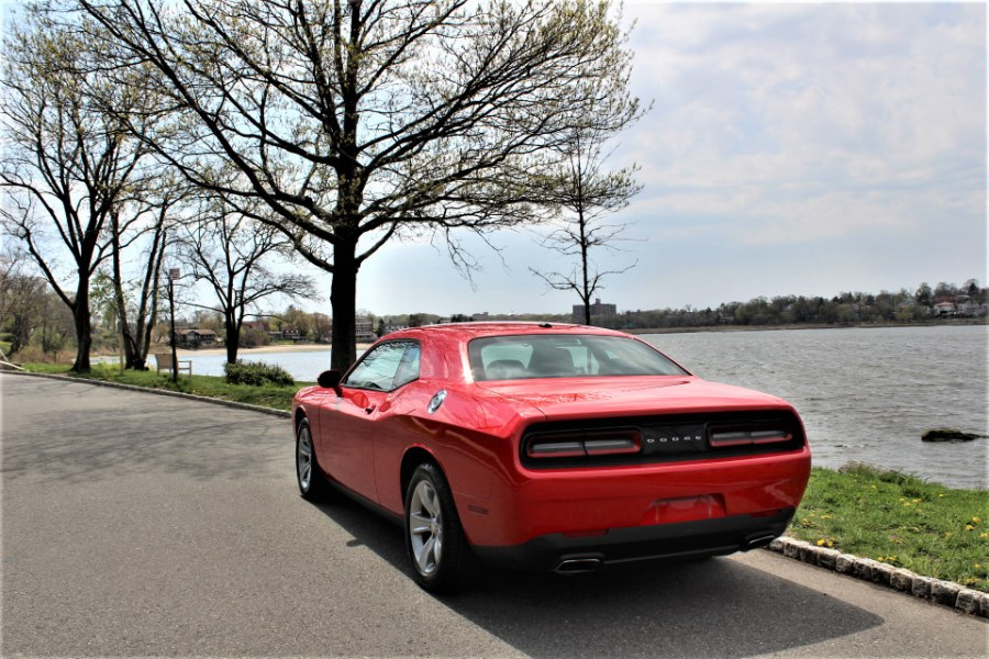 2017 Dodge Challenger SXT  Coupe, available for sale in Great Neck, NY