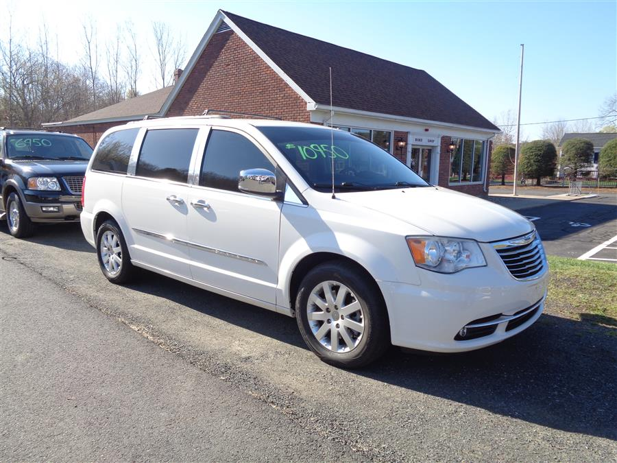 Used 2012 Chrysler Town & Country in Southwick, Massachusetts | Country Auto Sales. Southwick, Massachusetts