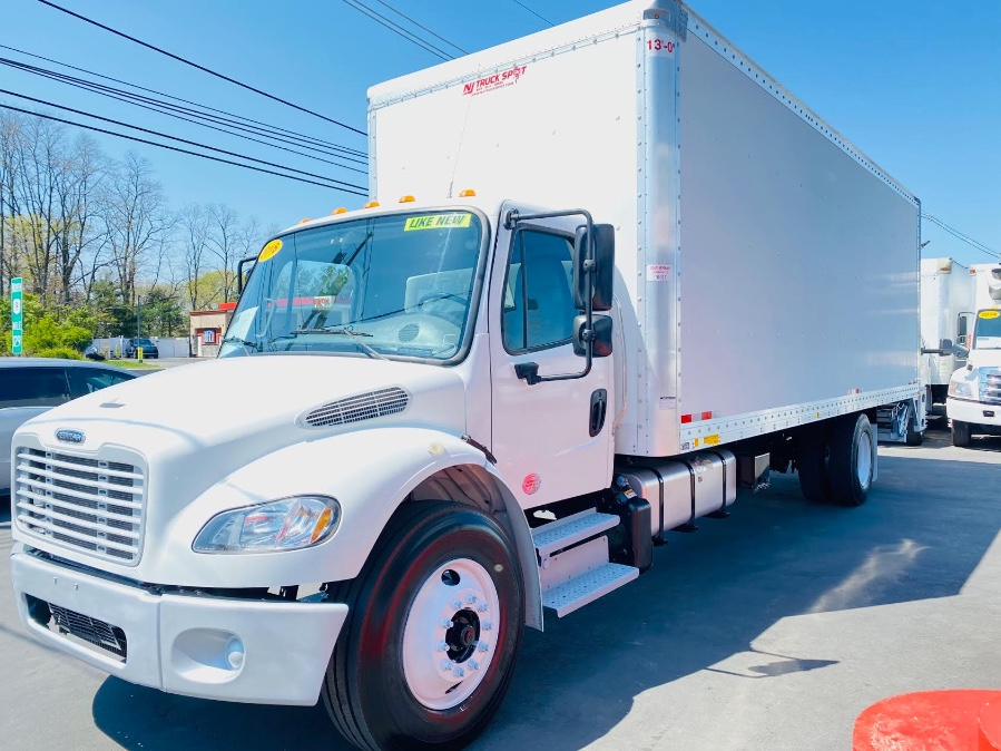 Used FREIGHTLINER M2 106 26 FEET DRY BOX + LIFT GATE + NO CDL 2018   NJ Truck Spot. South Amboy, New Jersey