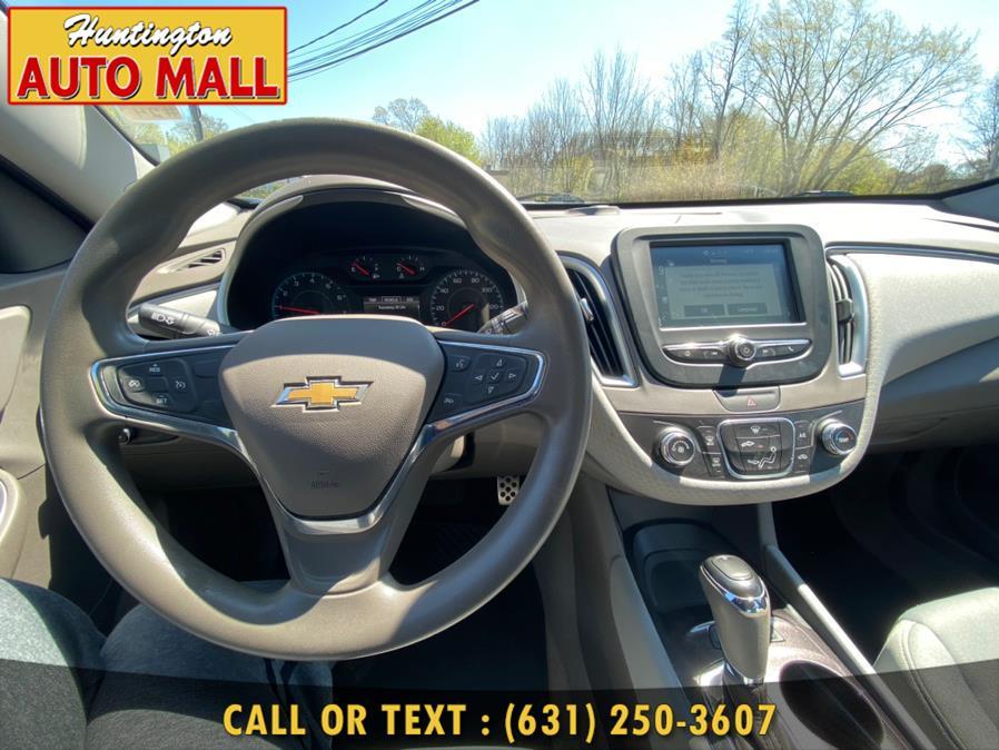 Used Chevrolet Malibu 4dr Sdn LS w/1FL 2017 | Huntington Auto Mall. Huntington Station, New York