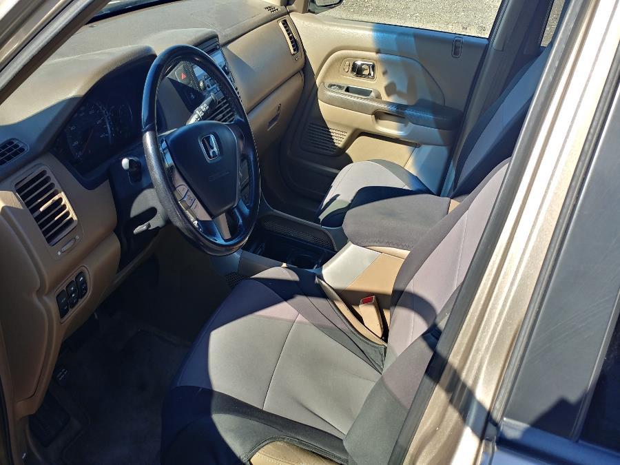 Used Honda Pilot EX-L AT with RES 2005   Matts Auto Mall LLC. Chicopee, Massachusetts