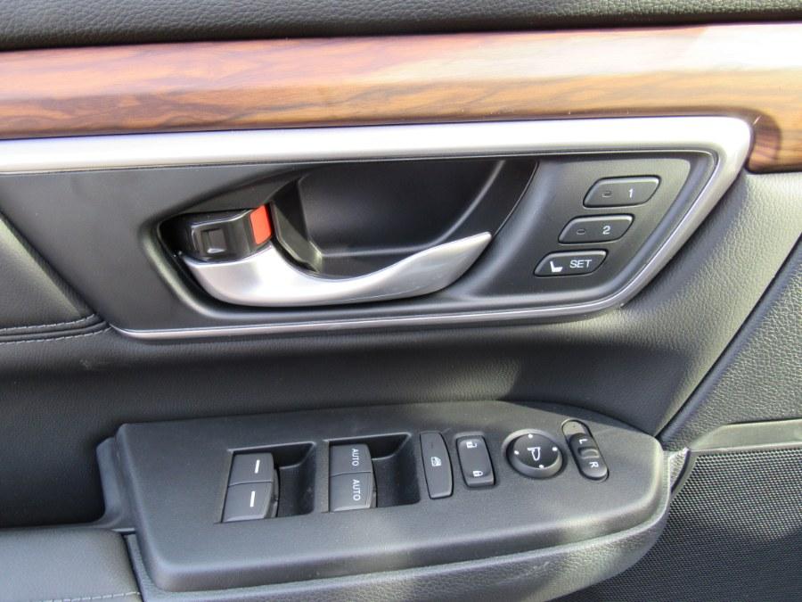 Used Honda CR-V Touring 2021   Hilario's Auto Sales Inc.. Worcester, Massachusetts