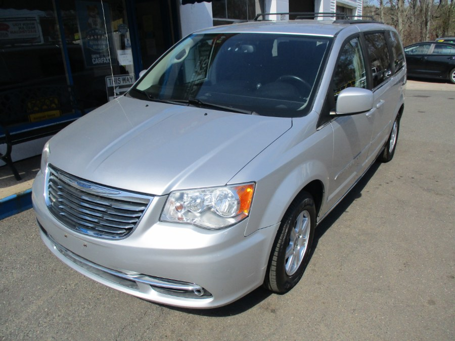 Used Chrysler Town & Country 4dr Wgn Touring 2012 | Cos Central Auto. Meriden, Connecticut