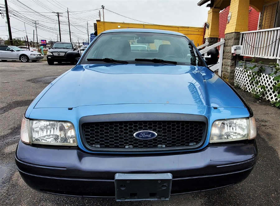 Used Ford Police Interceptor 4dr Sdn w/3.55 Axle 2011 | Temple Hills Used Car. Temple Hills, Maryland
