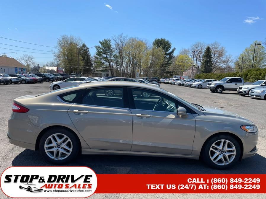 Used Ford Fusion 4dr Sdn SE FWD 2015 | Stop & Drive Auto Sales. East Windsor, Connecticut