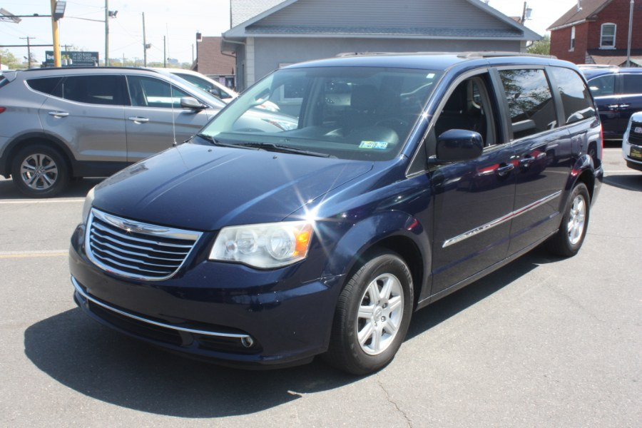 Used Chrysler Town & Country 4dr Wgn Touring 2012   Victoria Preowned Autos Inc. Little Ferry, New Jersey