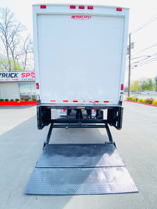 Used FREIGHTLINER M2 106 26 FEET DRY BOX + LIFT GATE + NO CDL 2014 | NJ Truck Spot. South Amboy, New Jersey