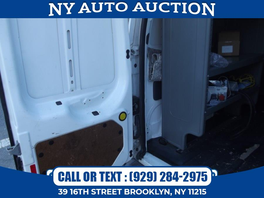 """Used Ford Transit Connect 114.6"""" XL w/o side or rear door glass 2012   NY Auto Auction. Brooklyn, New York"""