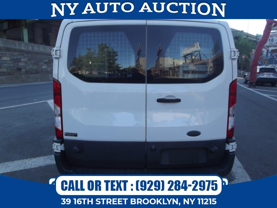 """Used Ford Transit Cargo Van T-150 148"""" Low Rf 8600 GVWR Swing-Out RH Dr 2016   NY Auto Auction. Brooklyn, New York"""