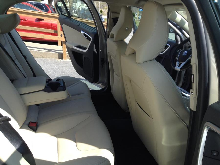 Used Volvo S60 T5 AWD Inscription 2017   Eurocars Plus. Groton, Connecticut