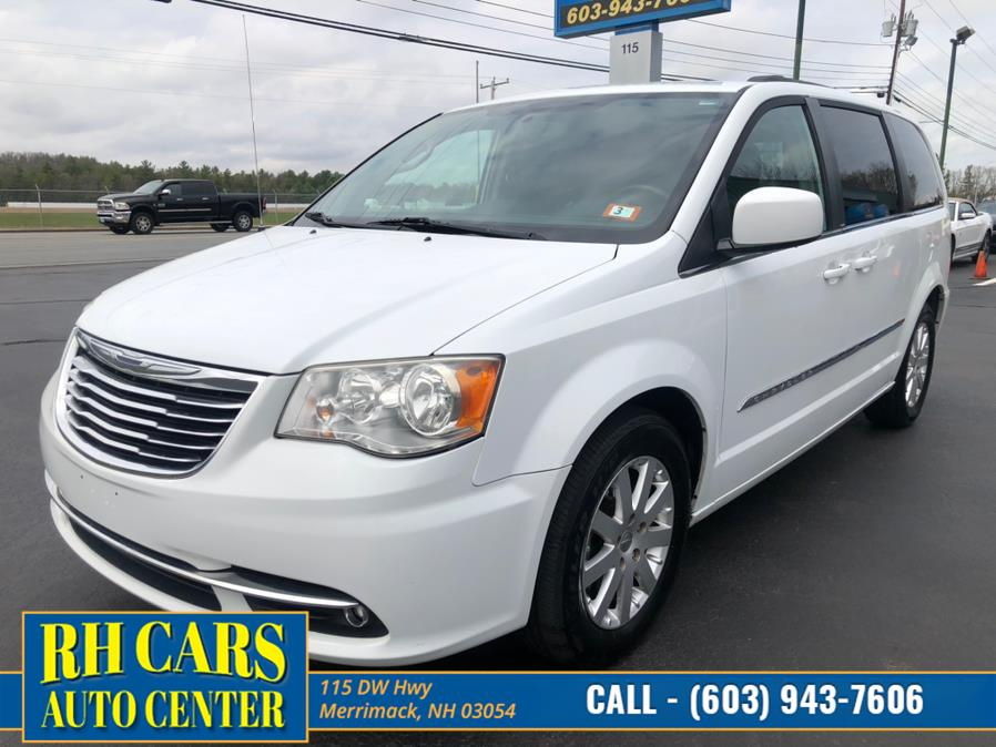 Used 2014 Chrysler Town & Country in Merrimack, New Hampshire | RH Cars LLC. Merrimack, New Hampshire