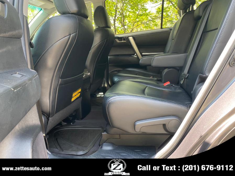 Used Toyota Highlander 4WD 4dr V6 SE (Natl) 2011   Zettes Auto Mall. Jersey City, New Jersey