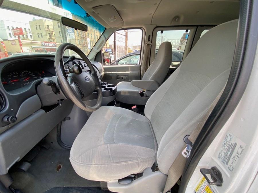 Used Ford Econoline Wagon E-350 Super Duty Ext XLT 2008 | Wide World Inc. Brooklyn, New York