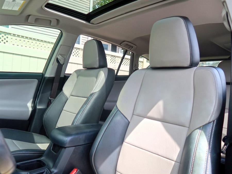 Used Toyota Rav4  2018 | Auto Expo Ent Inc.. Great Neck, New York